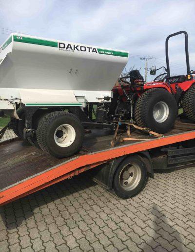 Traktor és homokszóró